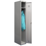 Металлический шкаф одежда